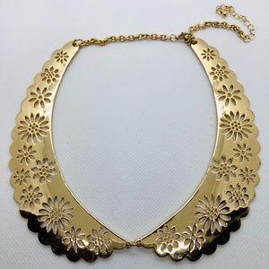 🌷EUC Gold Floral Peter Pan Collar Necklace